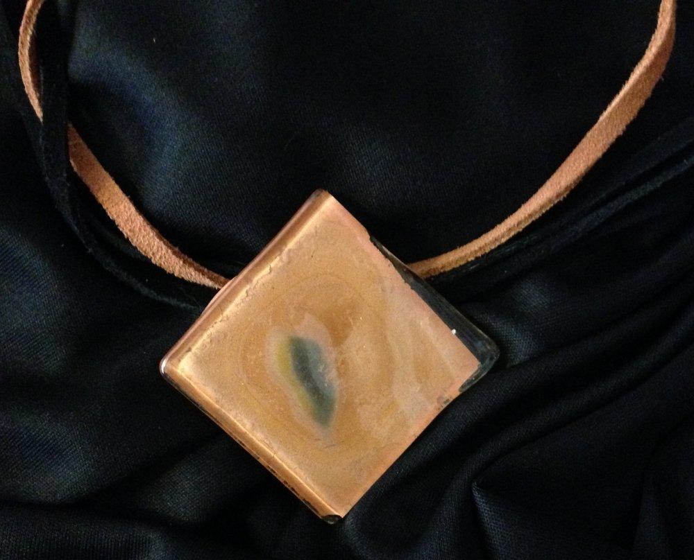 medalha quadradinha R$ 55,00