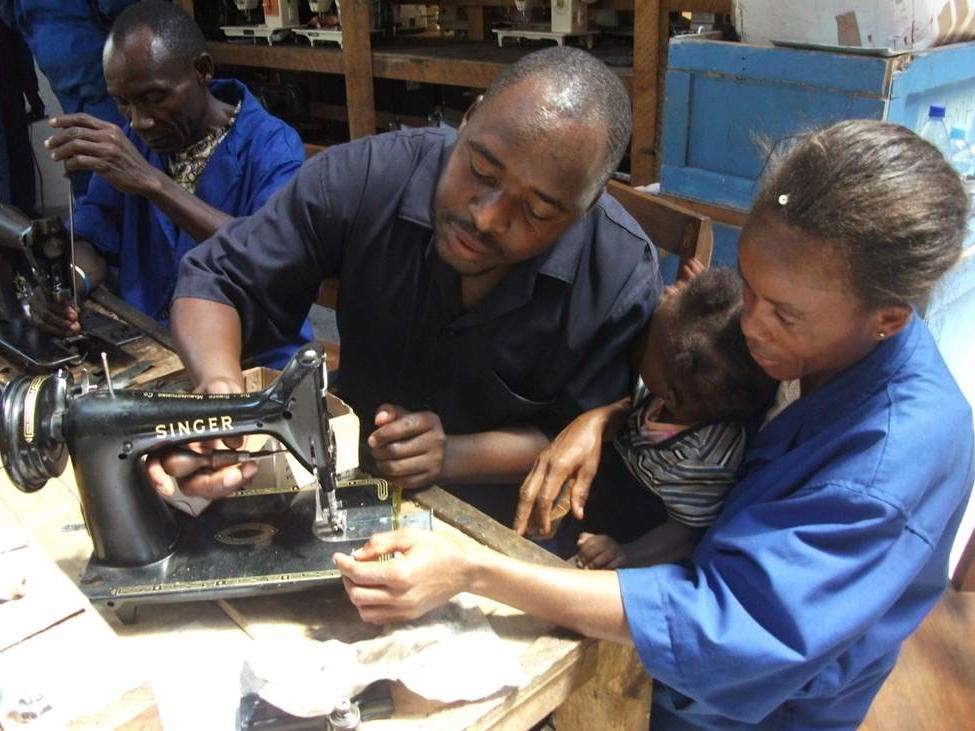 naaimachine revisie MSTC Tanzania.jpg