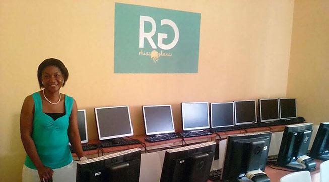 comoputerlokaal rhiza ghana.jpg