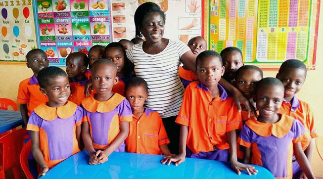 Rhiza kinderen op school.jpg