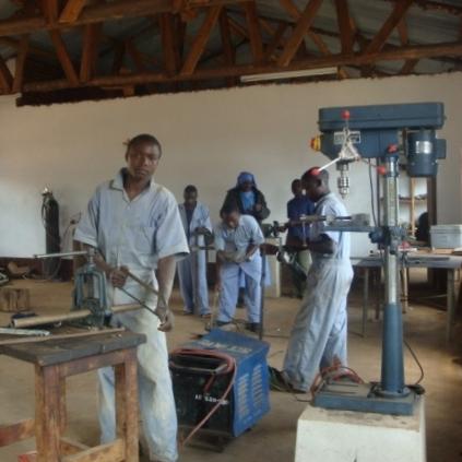 werkplaats Tanzania.jpg