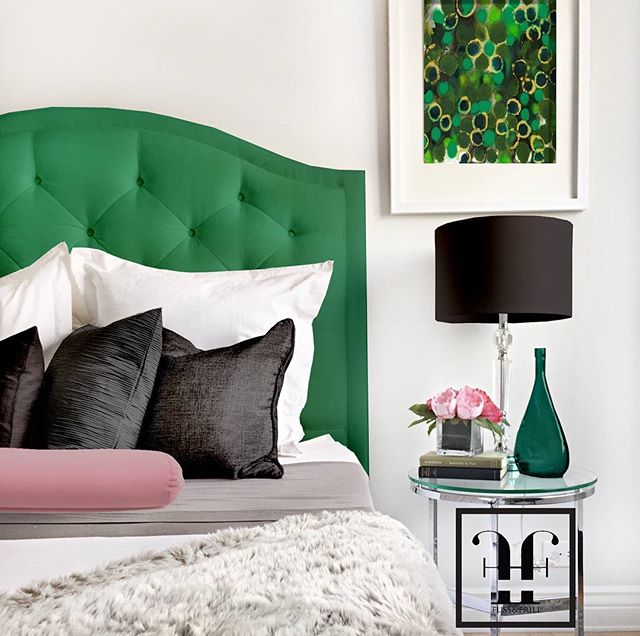 Green fever! #velvetgreen #emeraldgreen #headboards #interiordesign #design