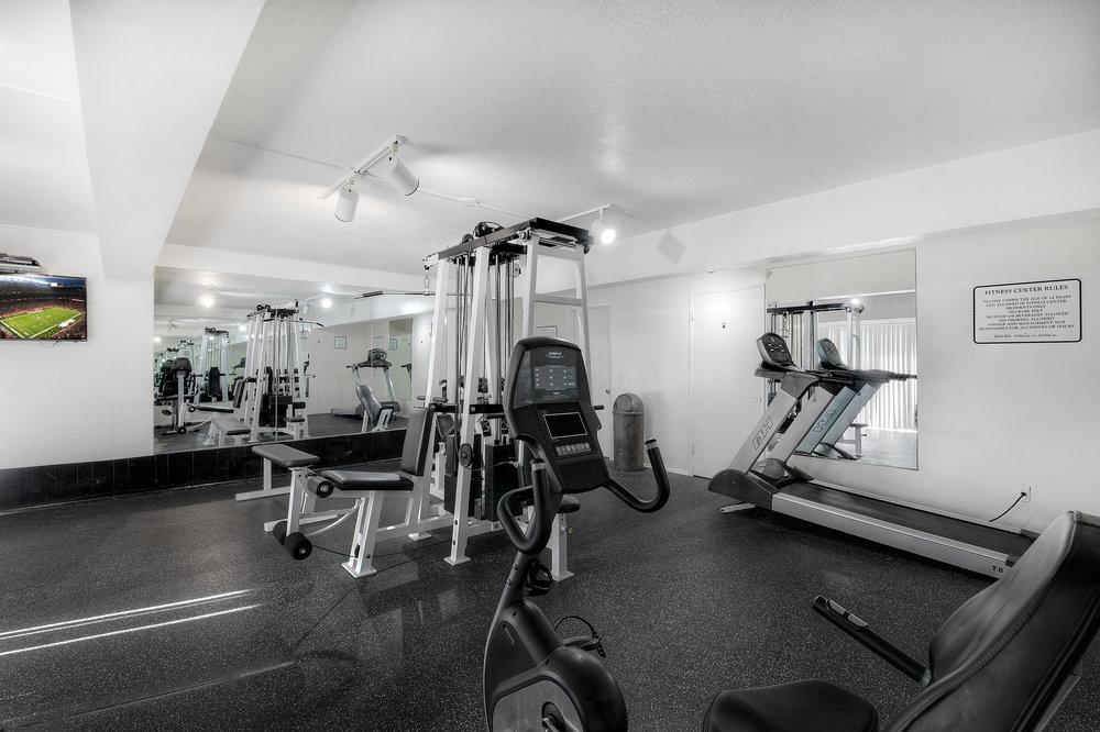 Gym B&W 2.jpg