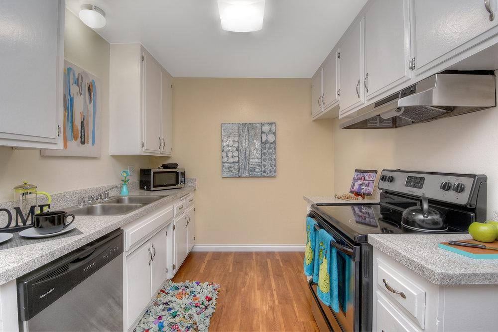 Model 1+1 Kitchen.jpg