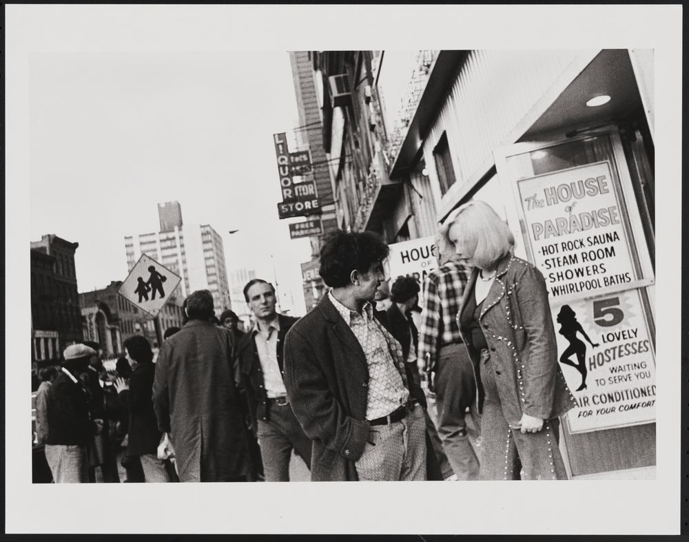Times Square, 1976 / Leland Bobbé, from the Collections of the Museum of the City of New York