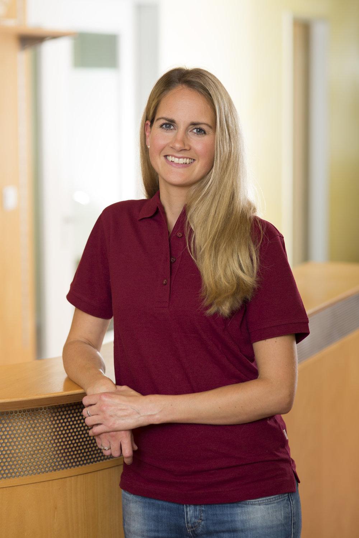 Kira Erdmann   Physiotherapeutin