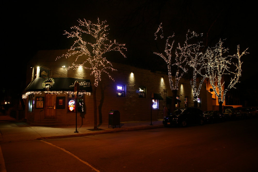 Local Chicago Business Holiday Lighting Display