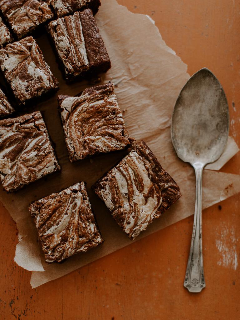 Sweetened Tahini Swirled Brownies