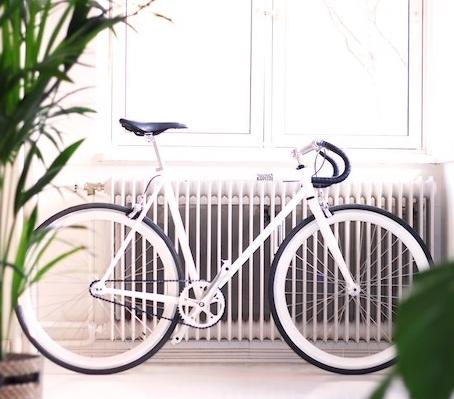 Hausratversicherungen schützen dein Bike meistens nur zu Hause.