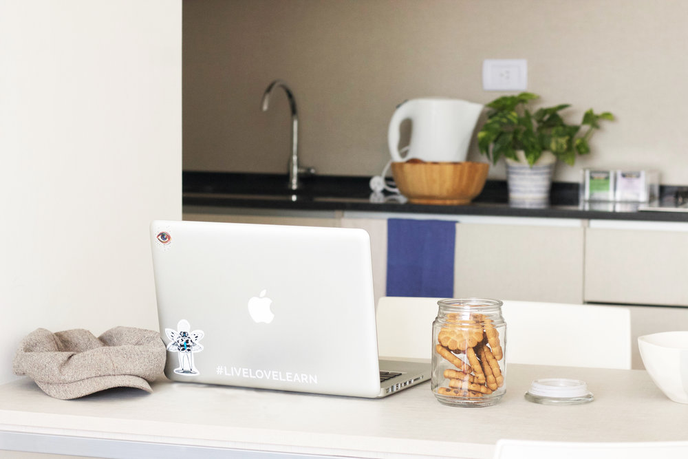 Dos ambientes - Desde US$ 1000 por mes con todo incluido*Dormitorio, baño, cocina completa y living.Dimensiones: 45 a 55 m2.Capacidad máx. 3 personas