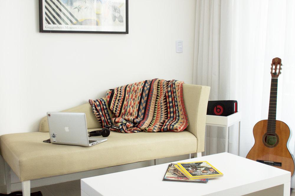 Tres ambientes - Desde US$ 1300 por mes con todo incluido*2 dormitorios, baño, cocina completa y living.Dimensiones: 65 a 80 m2.Capacidad máx. 5 personas
