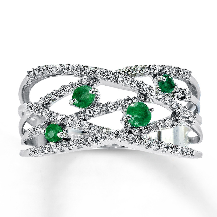 emerald-diamond-engagement-rings.jpg