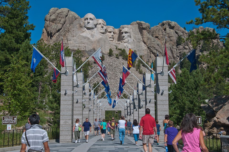 Tour Closed   US National Parks with New England & Canada Cruise    Cost $18,251 pp twin Share   22 May – 23 June 2019 (33 Days)  The beautiful mountain and desert lakes, and some most usual rock formations.