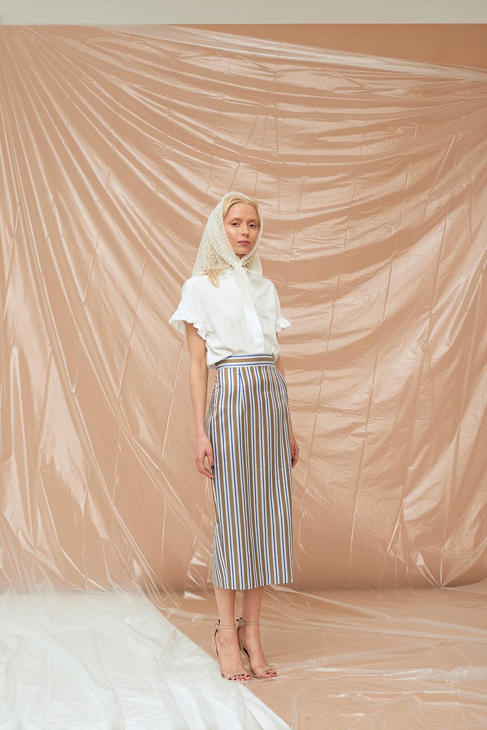 блуза-со-спущенным-рукавом-белая-2018022.jpg