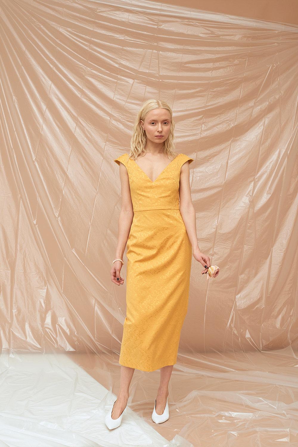 платье-футляр-20181002.jpg