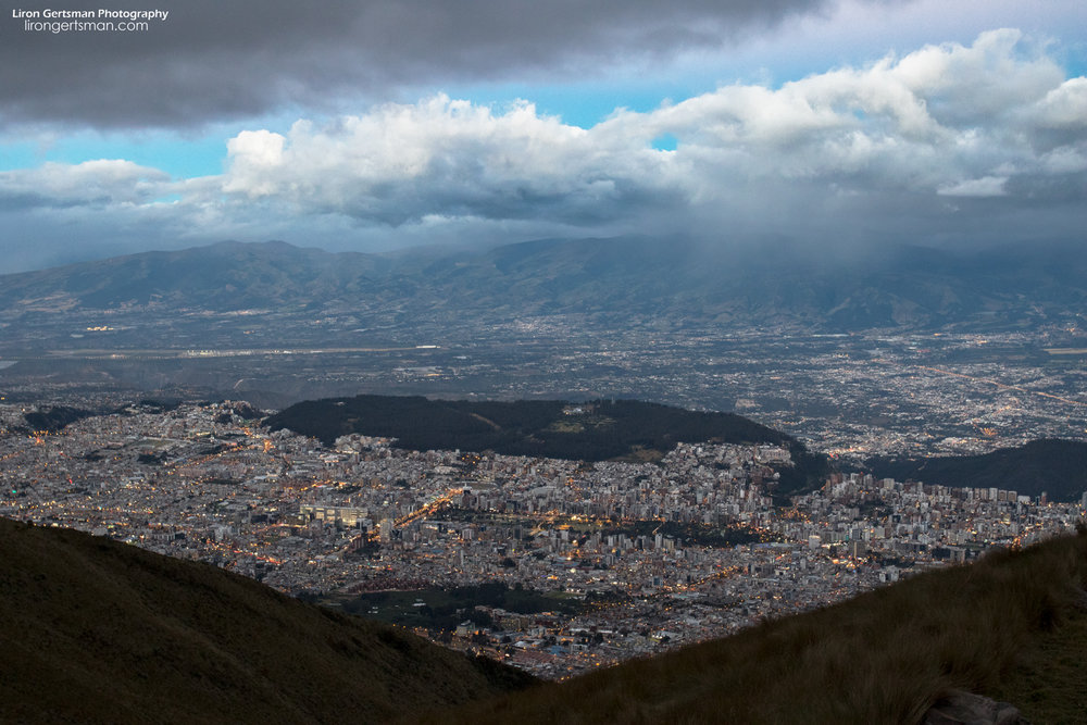 Welcome to Ecuador! This is Quito, the capital city of this biodiverse country. Quito has a population of two million people, but is surrounded by fast cloud forest.