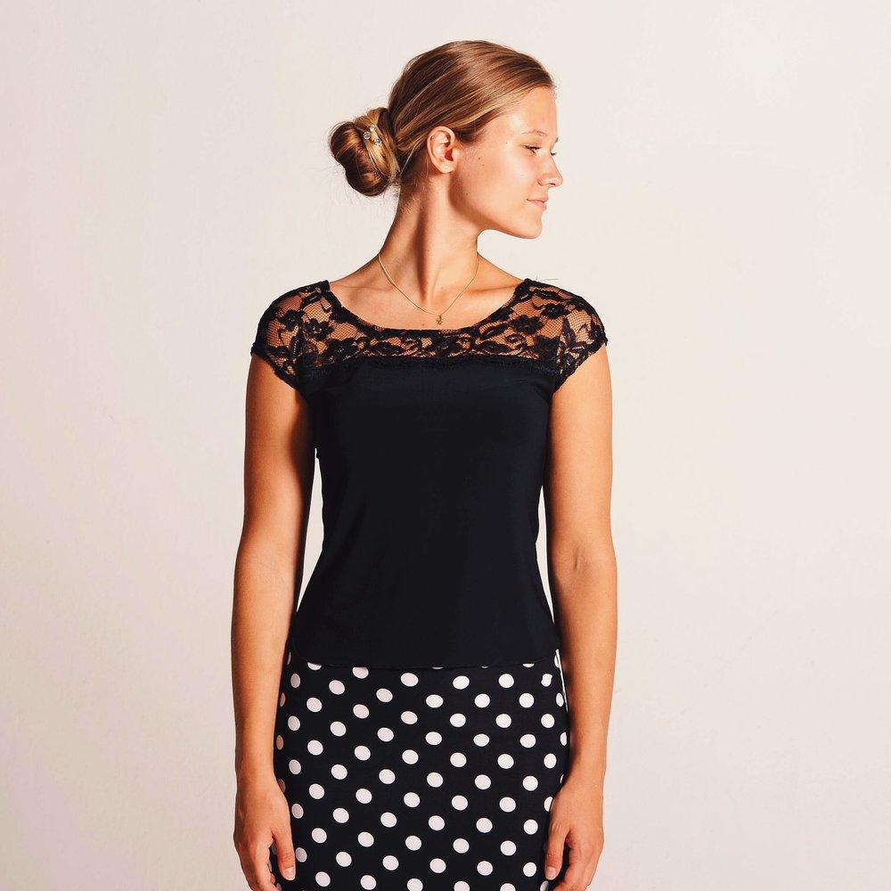 black_lace_tango_top_cristina.JPG