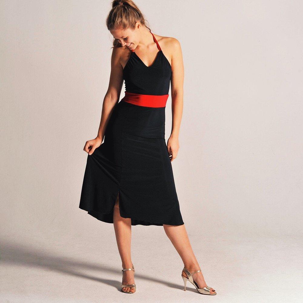 black_neckholder_dress_tango_angelina.JPG