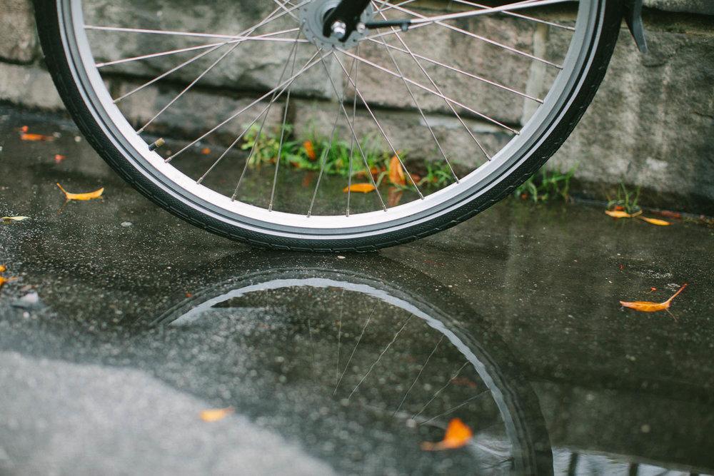 Road bike on the Upper East Side, Manhattan. Canon 5D Mark II, 50mm f/1.2.