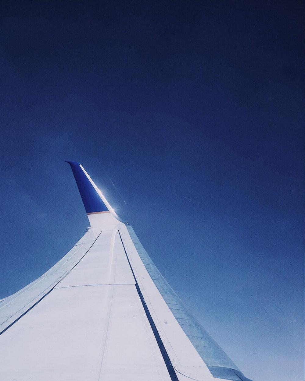 fuji-x100f-photo-walk-summer-nyc-street-airplane.jpg