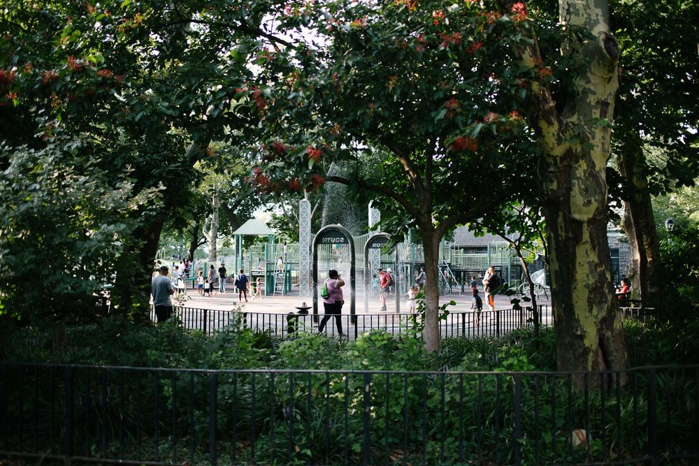 A park in Washington Heights. Canon 6D, Canon 35mm f/1.4 L USM