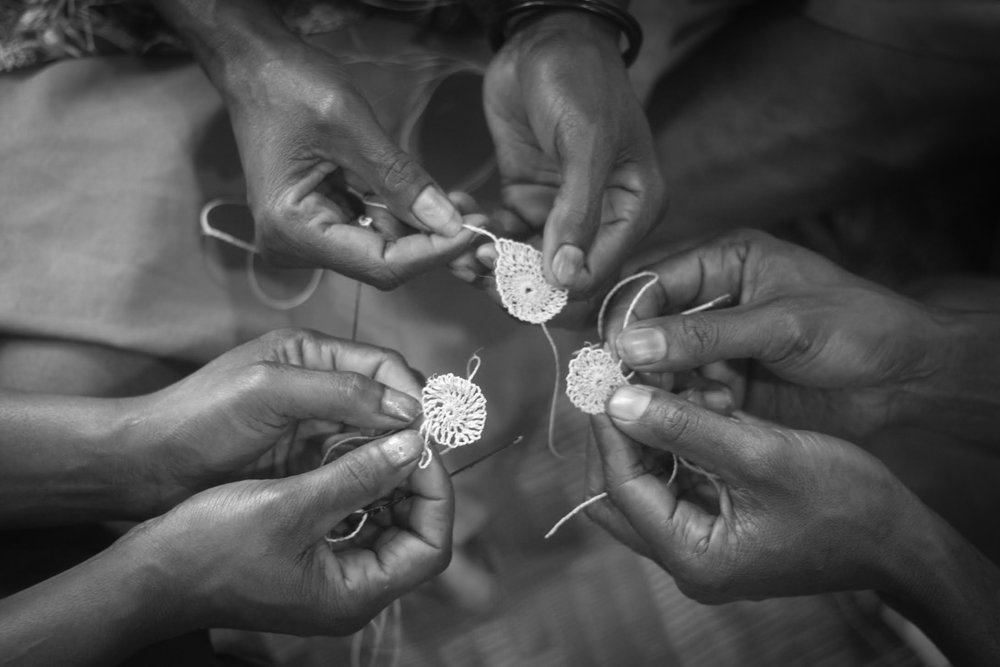 EVERY LOOPWEAVES A STORY - BILUM & BILAS SUPPORTS LIVELIHOODS THROUGH COLLABORATIONS WITH FEMALE PAPUA NEW GUINEAN ARTISANS. WE INNOVATE TRADITIONAL SKILLS TO CREATE COVETED CONTEMPORARY ACCESSORIES AND EXPAND ACCESS TO INTERNATIONAL MARKETS.