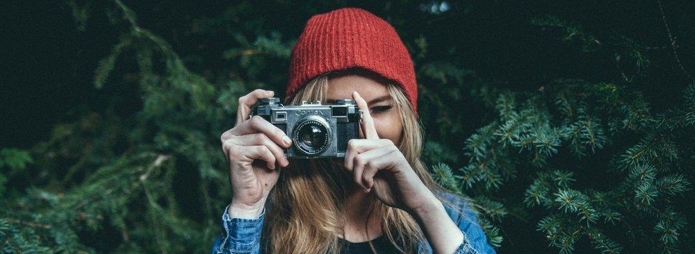 hipster_wander_photographer_photo_woman_header_website_wild-868964.jpg
