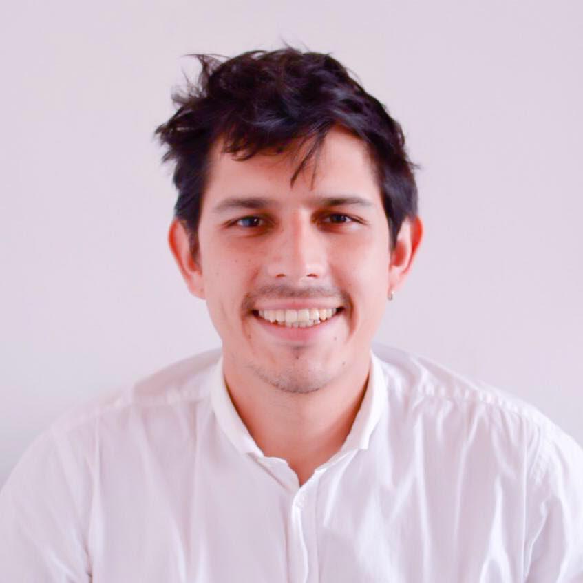 Alejandro Lanz, Director Ejectuvio Temblores