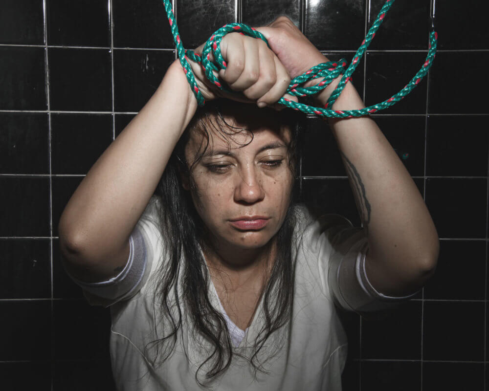 Tortura a una joven lesbiana en una clínica de conversión de homosexuales