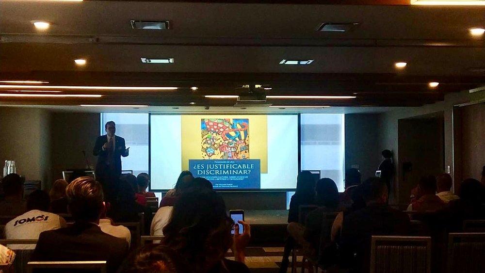 El libro puede adquirirse en físico y digital. Para más información LA@Fundacionigualitos.org