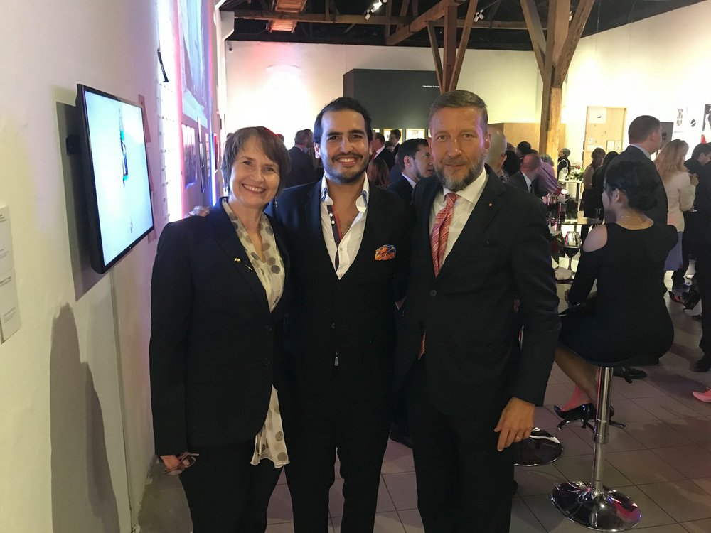 Mirko Giulietti y Martina embajadora de alemania.jpg