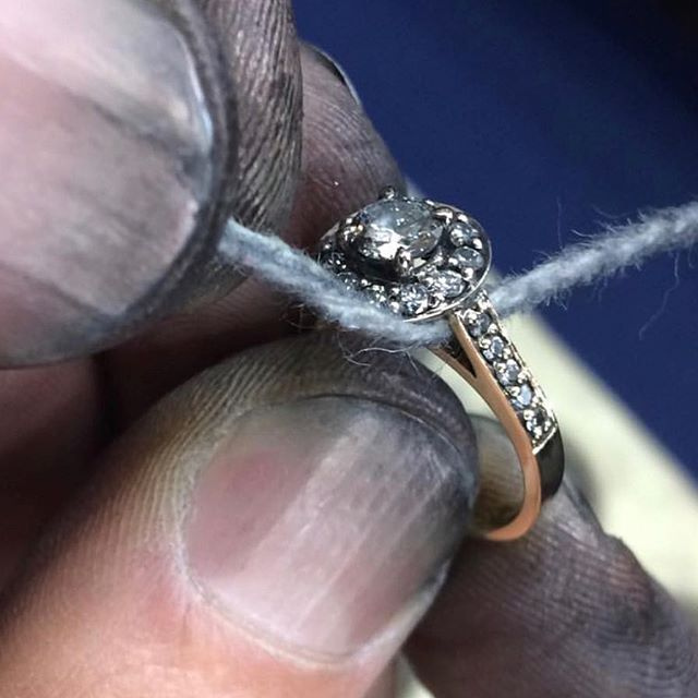 Attention to detail like no other jewellery house in Melbourne, every single piece is made with love within our very own #atelier #finejewelry @arteliajewellery #masterjeweller #madewithlove #diamonds #inhouse #perfection #melbourne #australia