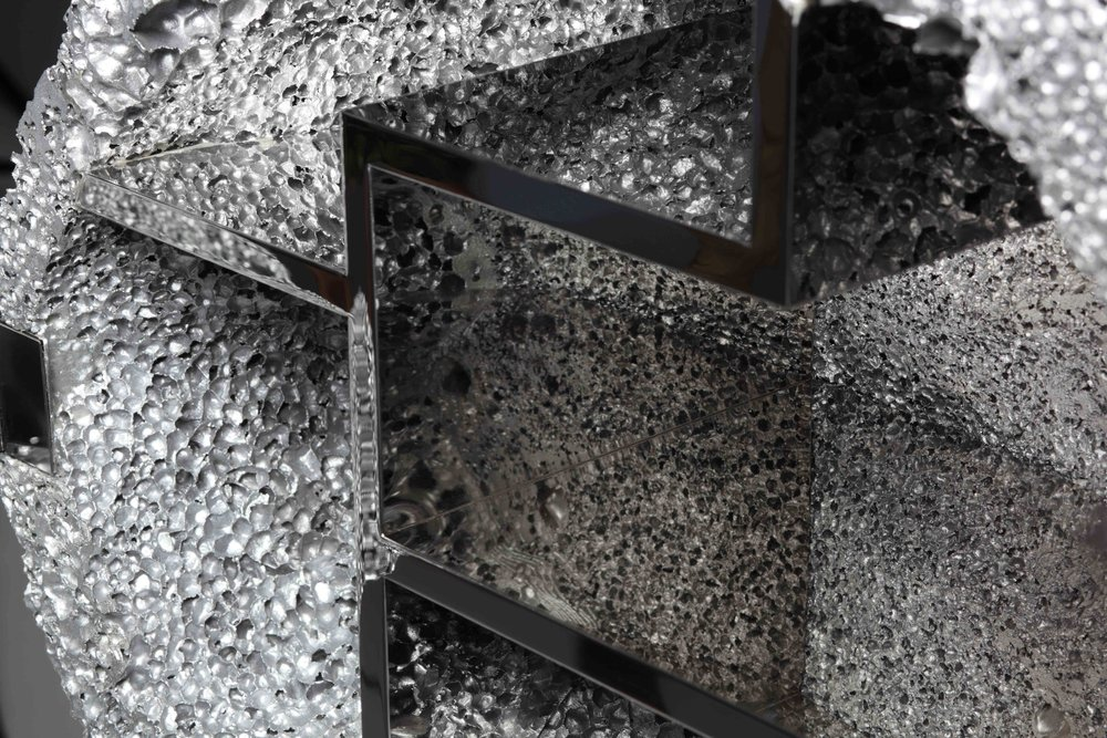 The series of Metallicl Geology works are indoor cabinets‭, ‬the design of which is inspired by the Chinese ancient rock landscapes‭.‬
