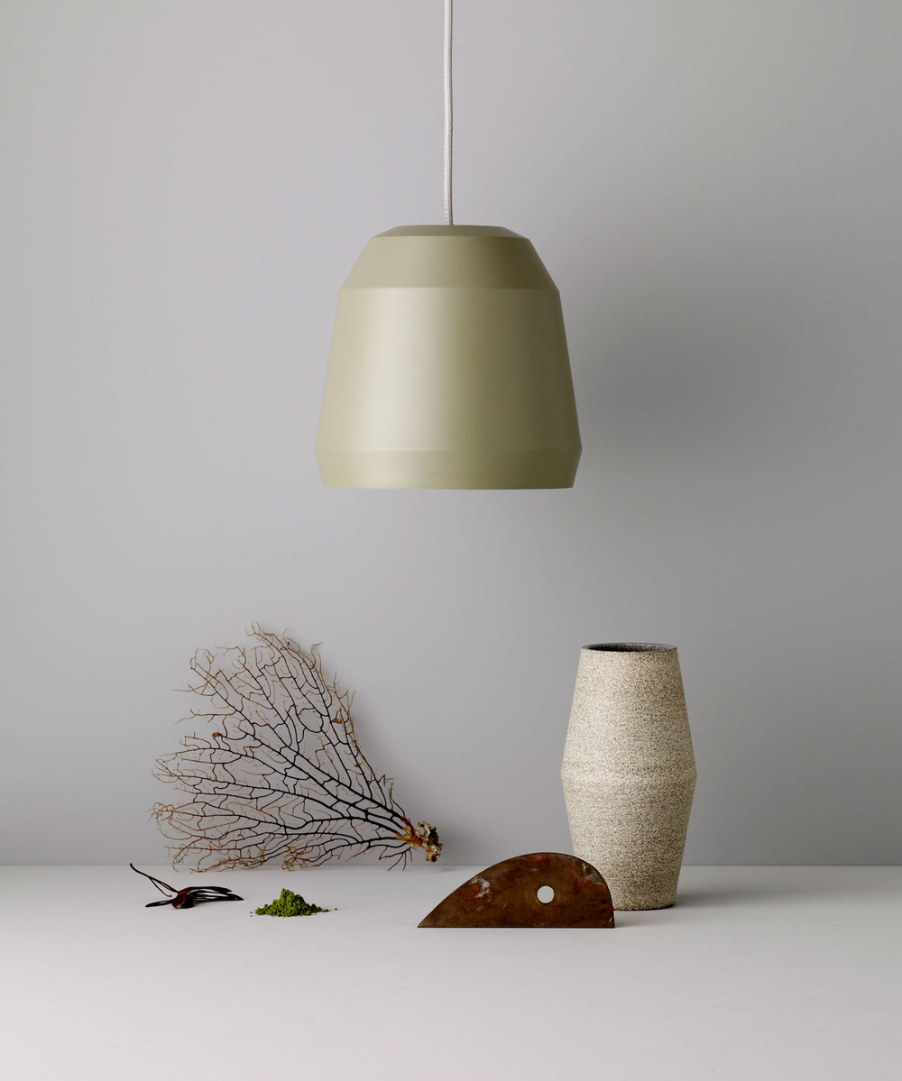 Mingus‭ /‬Pendant in two sizes‭, ‬six dimmed shades of colour   Lightyears‭, ‬2012‭.‬