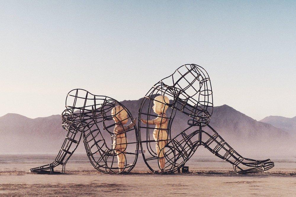 Artiste Alexandr Milov's 'Love' sculpture at Burning Man 2015.