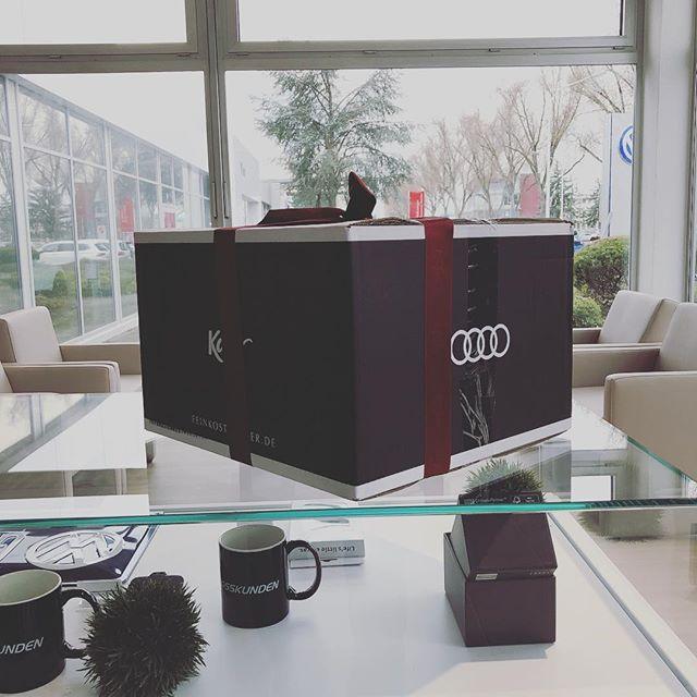 Geschenke?  Danke @audi_de 📷 @wiestgrosskunden #wiestautohäuser #grosskundenleistungszentrum #grosskunden #darmstadt #firmenwagen #dienstwagen #volkswagen #audi #skoda #vwnutzfahrzeuge