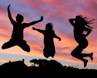 silhoutte-children-jumping-s.jpg