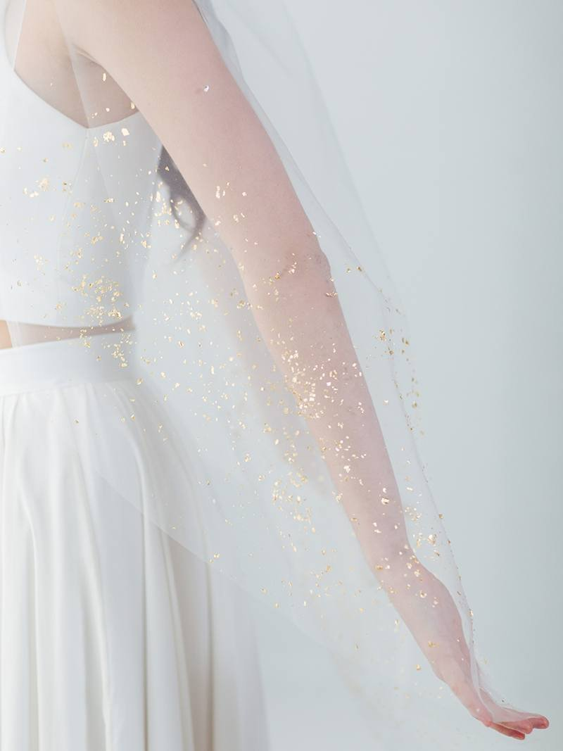 ivory-white-bridal-veil-tulle-gold-painted-micah-flakes-22.jpg