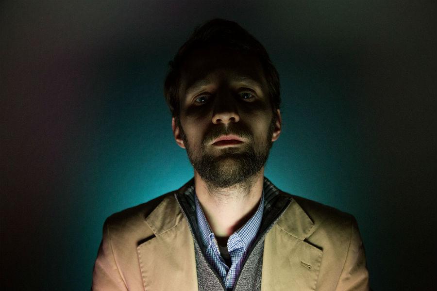Mathias Prinz   ist Sounddesigner, Fotograf und Literaturwissenschaftler.  Er studierte Kulturwissenschaften und ästhetische Praxis an der Universität Hildesheim. Gemeinsam mit machina eX entwirft er seit 2010 Computerspiele im lebensechten Raum. Bei machina eX übernimmt er Aufgaben in Sachen Musik-Hörspiel-Sounddesign, aber auch Dramaturgie-Gamedesign sowie Organisation und Produktion. Neben seinen Tätigkeiten im Theater arbeitet er an freien fotografischen Projekten und literaturwissenschaftlichen Arbeiten.