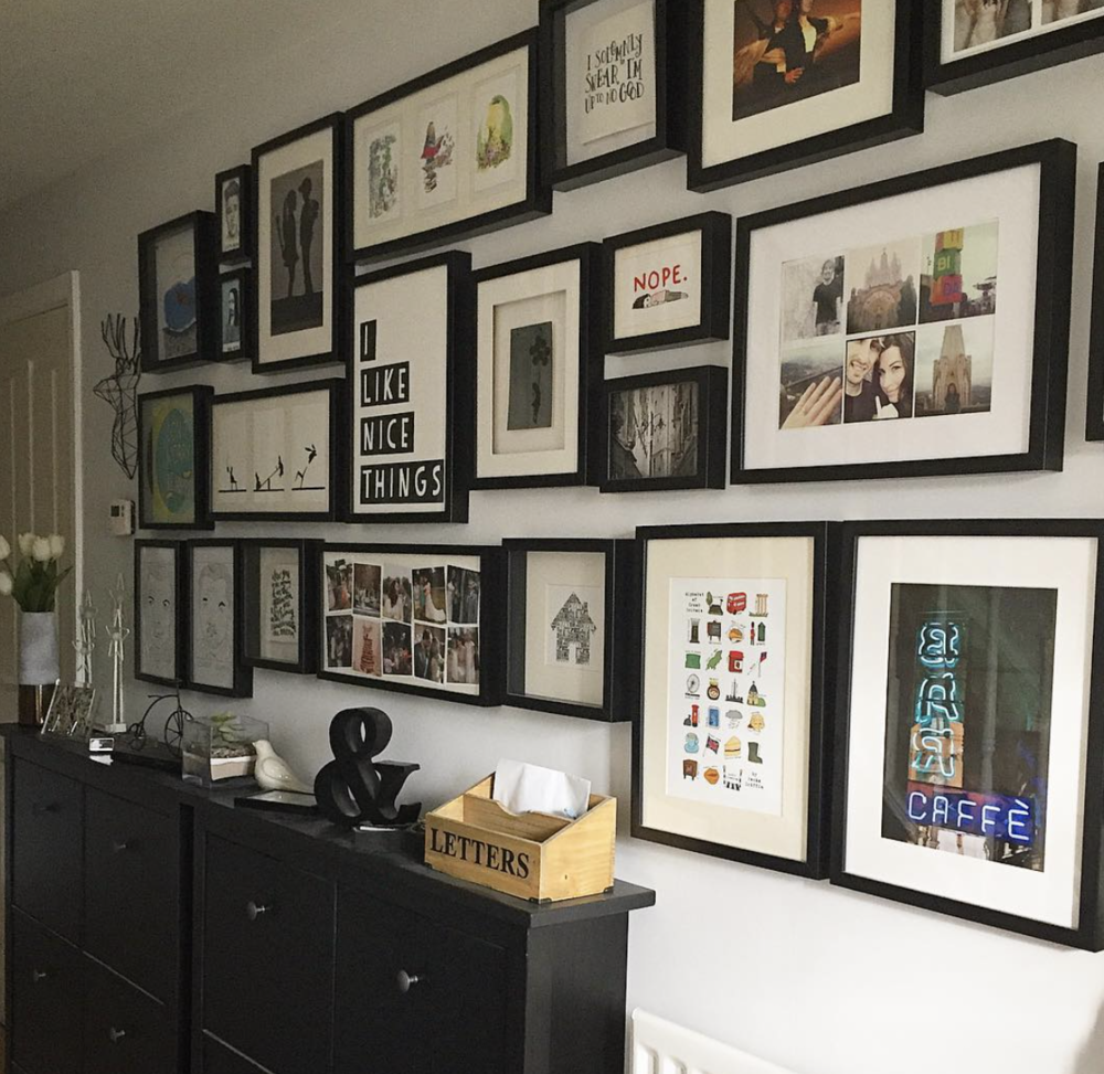 Sleek frame style, adding playfulness and colur with varying sizes and image styles. - Photo courtesy of the lovely @nest_number_9