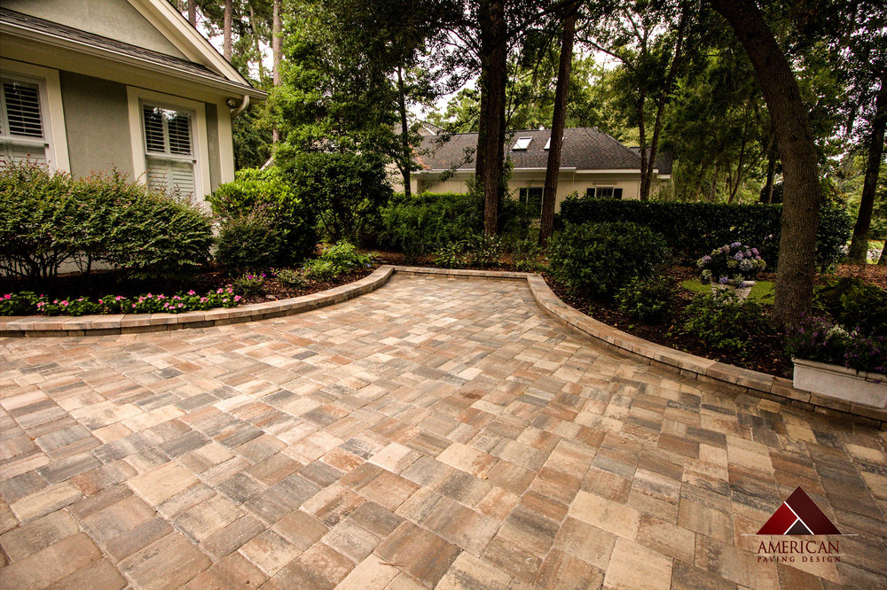 A great example of accent pavers.