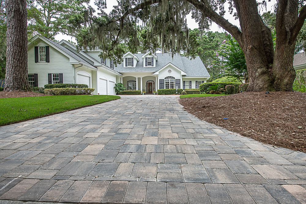 Installing Brick Pavers on your Driveway Offers INCREDIBLE BENEFITS: - 1. Pavers offer: Life Long Durability2. Pavers are: Easy to Maintain & Repair3. Choose from hundred's of brick paver styles and colors!4. Instantly add Value to Your Home5. .. NO MORE UGLY CONCRETE DRIVEWAYS!