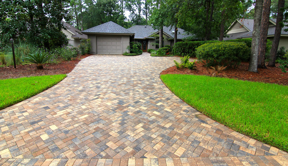 Staying with a Traditiona   l 4x8 Paver   ? Great Choice! This classic 4x8 brick paver - can offer a multitude of patterns - making your Driveway look timeless and appealing. Easy to install, a traditional brick paver is perfect for Driveway Installation projects!