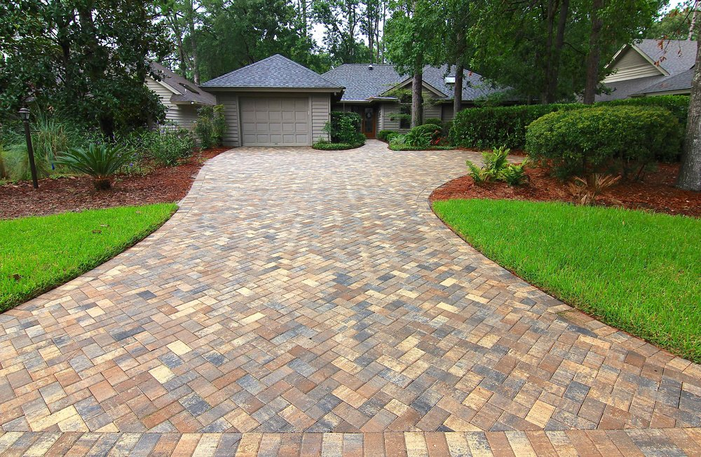 Herringbone pattern - The most common 4x8 paver pattern. This can be laid in a 45-degree or 90-degree angle. Perfect for high traffic areas!