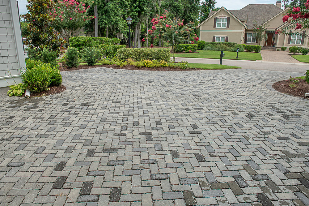 installing a paver driveway — American Paving Design| Paver