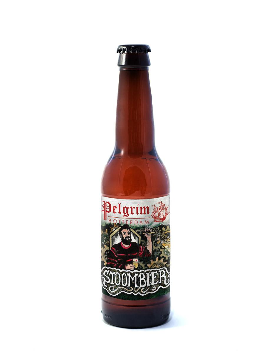 STOOMBIER      Een ongefilterde Pale Ale. Dit bier is licht hoppig, fris en goed doordrinkbaar.       5% | EBC 12 | EBU 32