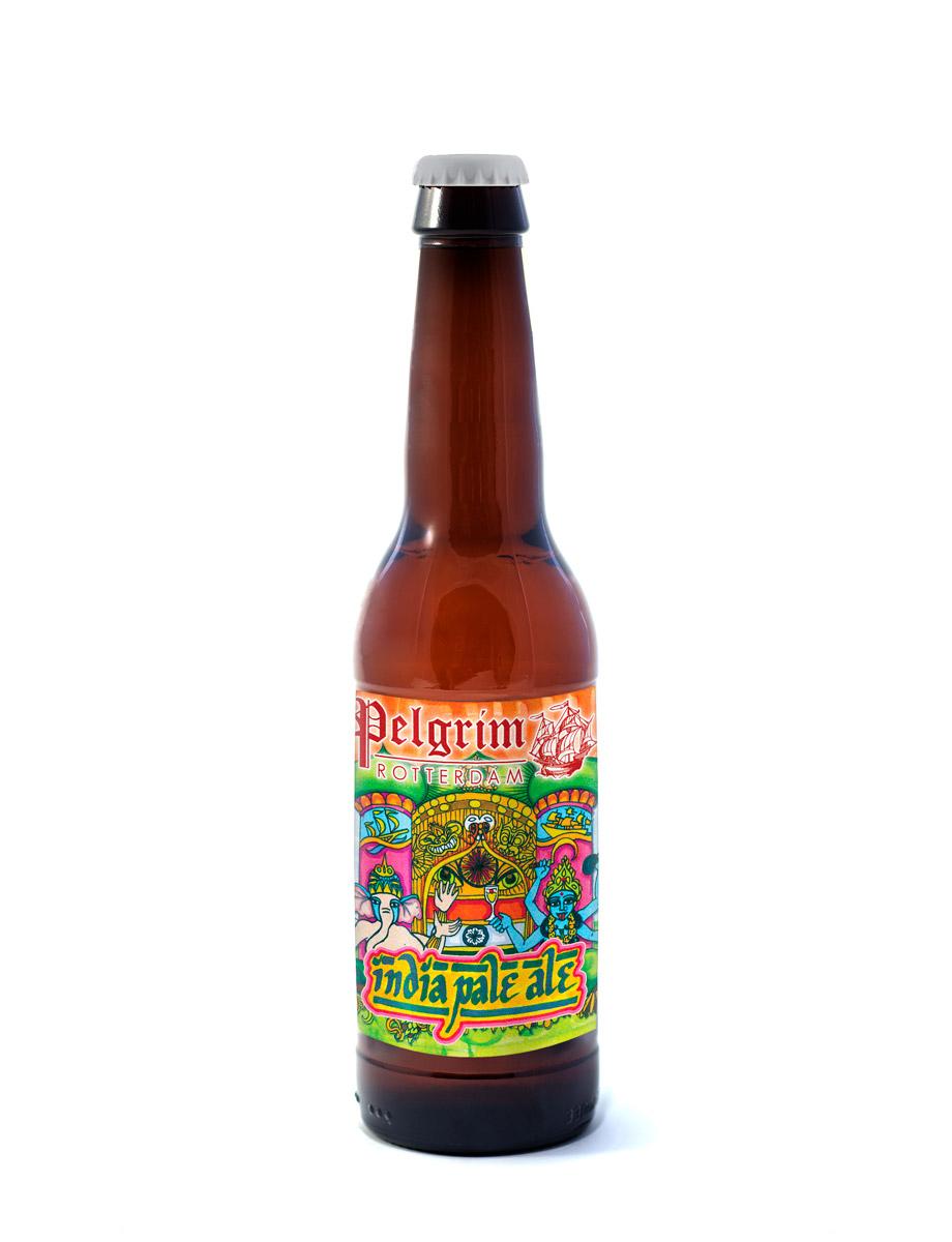 INDIA PALE ALE      Een frisse Engelse India Pale Ale. Door toevoeging van de Willamette hop krijgt dit bier een complexe en bloemige smaak.    5% | EBC 8 | EBU 43