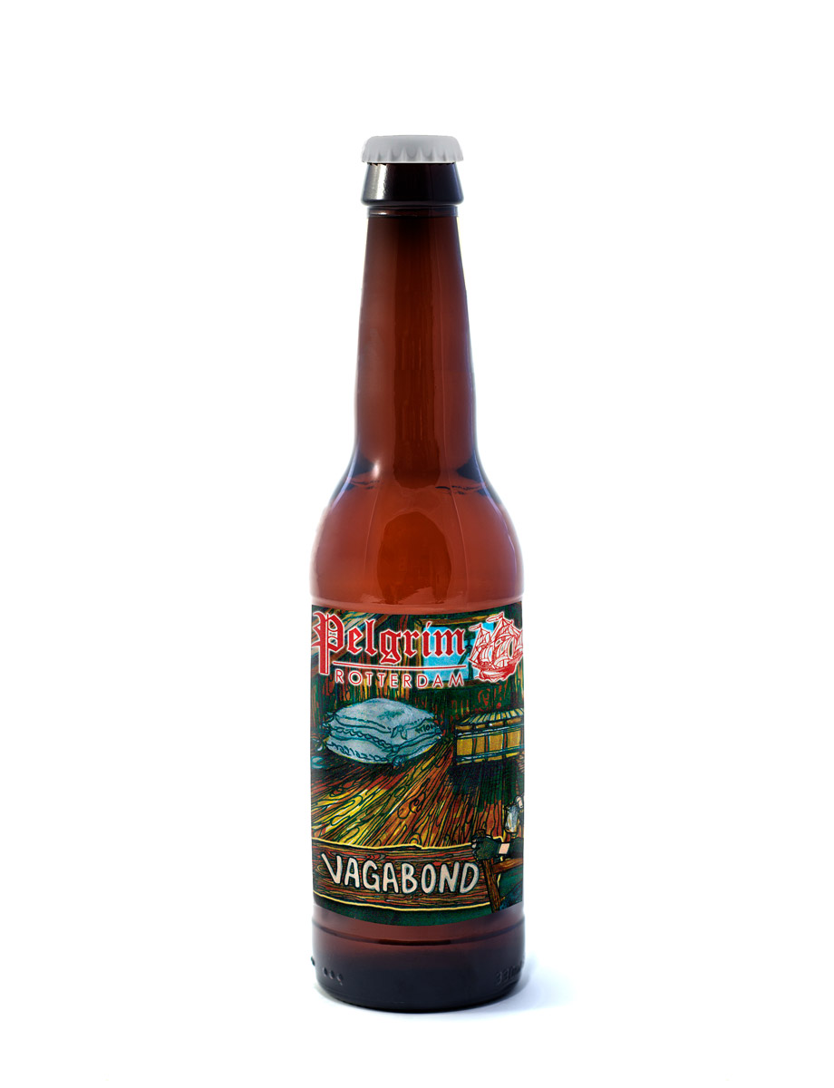 VAGABOND    Vagabond is een stevige Stout. Gebrande mout en zoethout geven dit bier een gebalanceerde smaak.     8% | EBC 252 | EBU 38