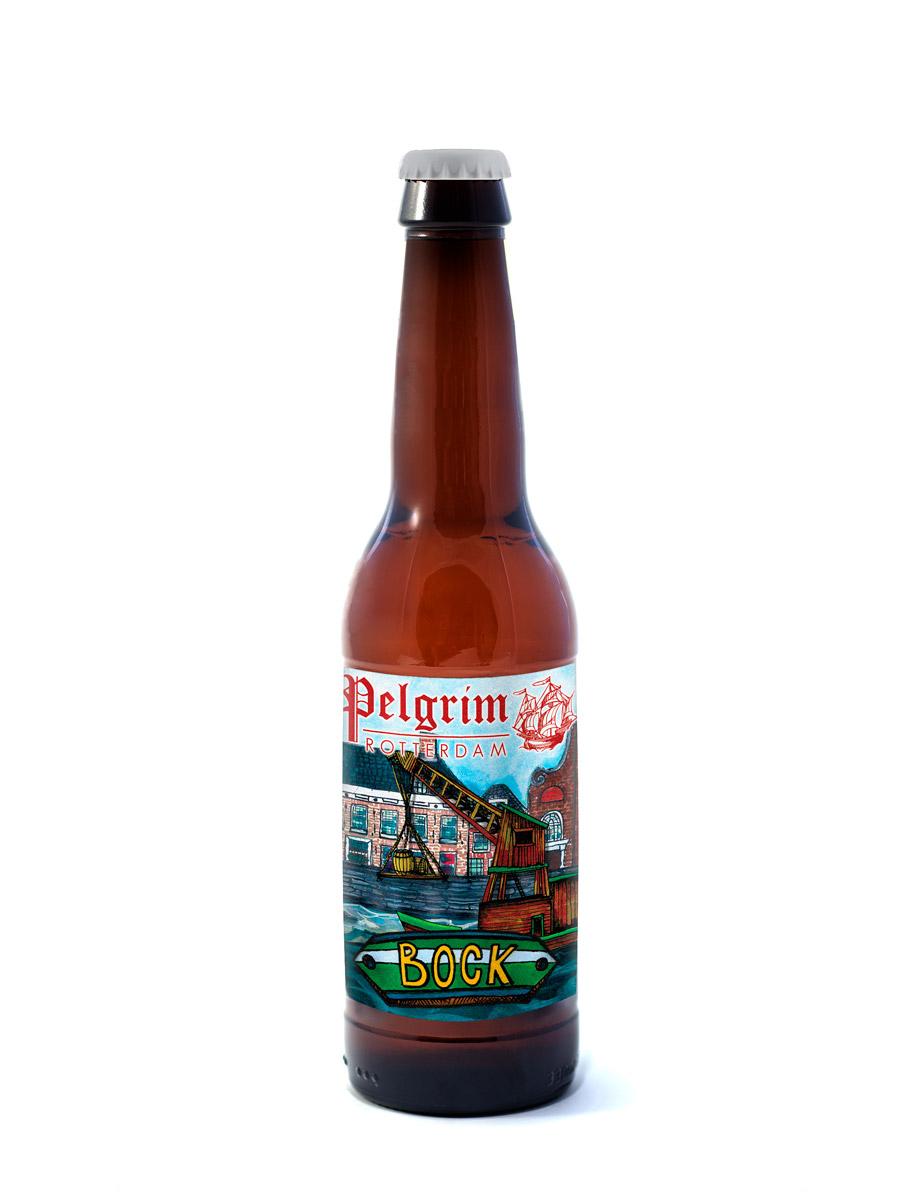 BOCK    Zodra de donkere dagen aanbreken, genieten we graag van het verwarmende Bockbier. Geroosterde mouten en karamel voeren in dit herfstbier de boventoon.   6% | EBC 72 | EBU 18