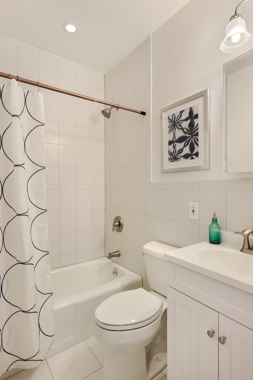 5_222ClintonStreet_2_8_Bathroom_HiRes.jpg
